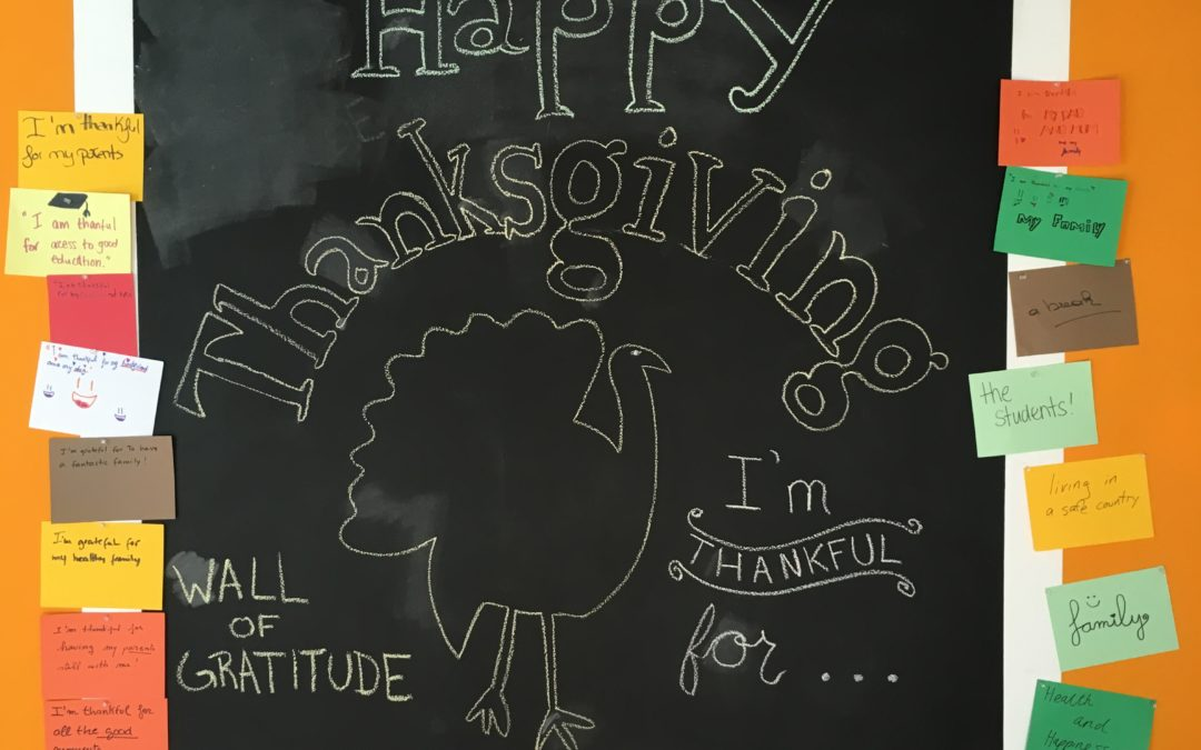 Celebrando el día de Acción de Gracias en FunTalk – Celebrating Thanksgiving at FunTalk